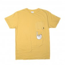 <img class='new_mark_img1' src='//img.shop-pro.jp/img/new/icons5.gif' style='border:none;display:inline;margin:0px;padding:0px;width:auto;' />FALLING FOR NERMAL POCKET TEE (BANANA)