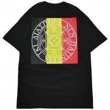 <img class='new_mark_img1' src='//img.shop-pro.jp/img/new/icons47.gif' style='border:none;display:inline;margin:0px;padding:0px;width:auto;' />Tri Stripe Magic Circle Tee (Black)