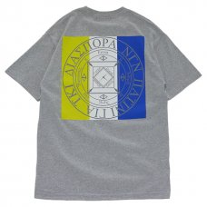 <img class='new_mark_img1' src='//img.shop-pro.jp/img/new/icons47.gif' style='border:none;display:inline;margin:0px;padding:0px;width:auto;' />Tri Stripe Magic Circle Tee (Sport Grey)