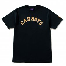COLLEGIATE CARROTS WORDMARK TEE - NAVY