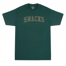 <img class='new_mark_img1' src='//img.shop-pro.jp/img/new/icons5.gif' style='border:none;display:inline;margin:0px;padding:0px;width:auto;' />SNACK VARSITY TEE - FOREST GREEN