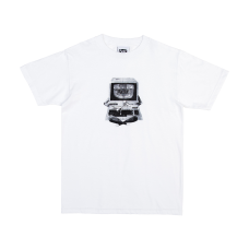 <img class='new_mark_img1' src='https://img.shop-pro.jp/img/new/icons47.gif' style='border:none;display:inline;margin:0px;padding:0px;width:auto;' />DIAL UP T-SHIRT - WHITE