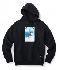 <img class='new_mark_img1' src='https://img.shop-pro.jp/img/new/icons5.gif' style='border:none;display:inline;margin:0px;padding:0px;width:auto;' />FTC × TG 1982 HOODY  - BLACK