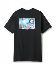 <img class='new_mark_img1' src='https://img.shop-pro.jp/img/new/icons5.gif' style='border:none;display:inline;margin:0px;padding:0px;width:auto;' />FTC x CHUCKY PLAYROOM TEE - BLACK