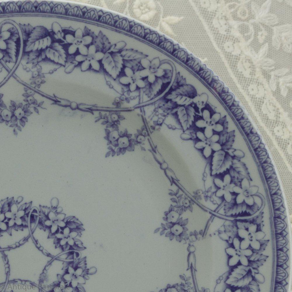 BEST L.P.&Co シャビイなパープル&ホワイト 野の花のガーランド デザートプレート B 1850年頃