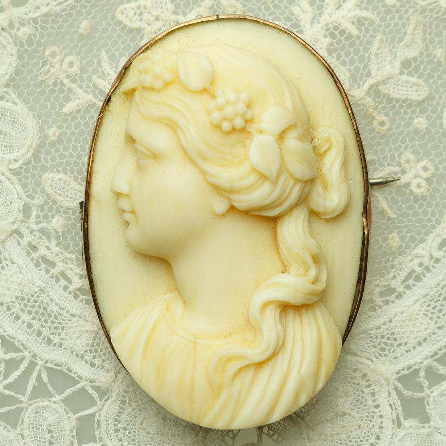 ヴィクトリアン 女性の横顔 アイボリー カメオ ブローチ 9金 1880年