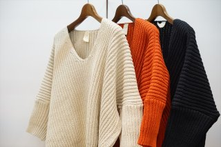 O project/オープロジェクト OVERSIZED KNITTED T-SHIRT/Natural/Blood Orange/Black