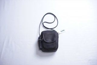 Aeta(アエタ) SHOULDER POUCH/Black