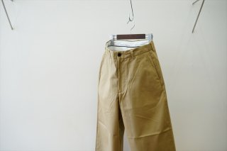 UNIVERSAL PRODUCTS(ユニバーサルプロダクツ)No Tuck Wide Chino Trousers/Beige