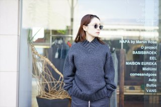 AURALEE for women (オーラリー)SUPER FINE WOOL AIRY KNIT V-NECK P/O