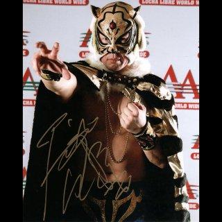 Tiger Mask � Autographed Photo #2 / 3代目タイガーマスク サイン入ブロマイド #2