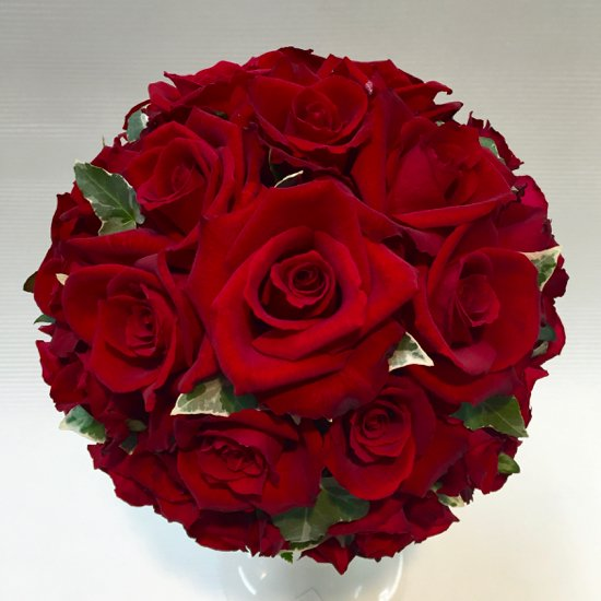 ラウンドブーケ「赤いバラのウェディングブーケ」
