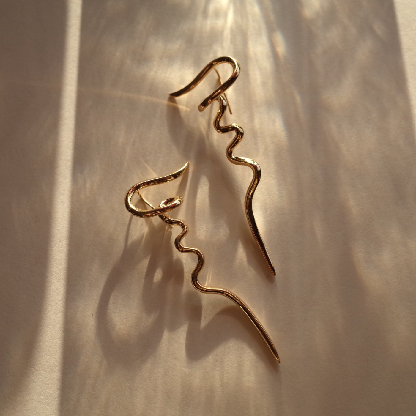 R.ALAGAN ララガン-FICKLE LINE EARRINGS-GOLD