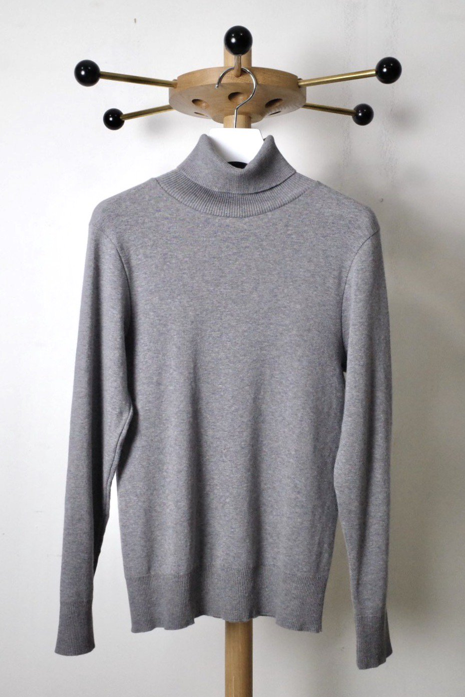 <img class='new_mark_img1' src='//img.shop-pro.jp/img/new/icons5.gif' style='border:none;display:inline;margin:0px;padding:0px;width:auto;' />gicipi ジチピ-TURTLENECK TOPS-ANANAS-GRAY-