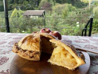 完熟りんごたっぷりの 果樹園カフェがつくるアップルパイ(紅玉) 完売しました