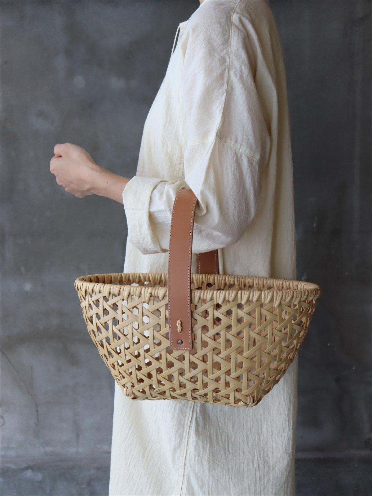 �見八州洋 竹のバスケット 革持ち手