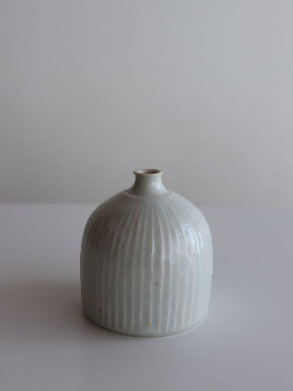 阿南維也 白磁鎬花瓶 A