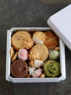 bion クッキー缶ミニ