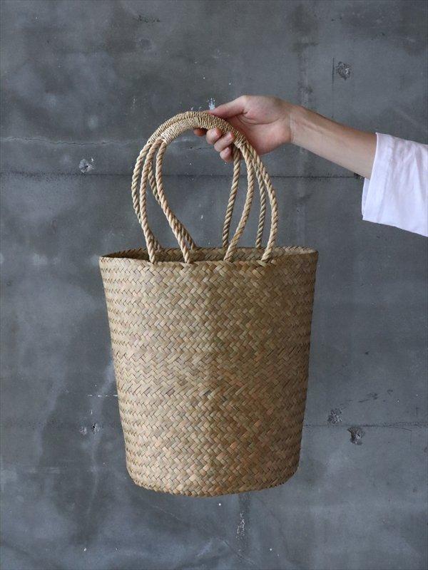 タイのカゴバッグ