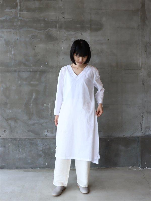 iroiro V-Neck Dress