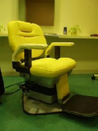 EA-009-10 再生品 理容椅子プラス タカラベルモント製 (HB)