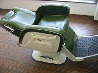 EA-021-10 再生品 新明和製 理容椅子 775 在庫数 0(HB)