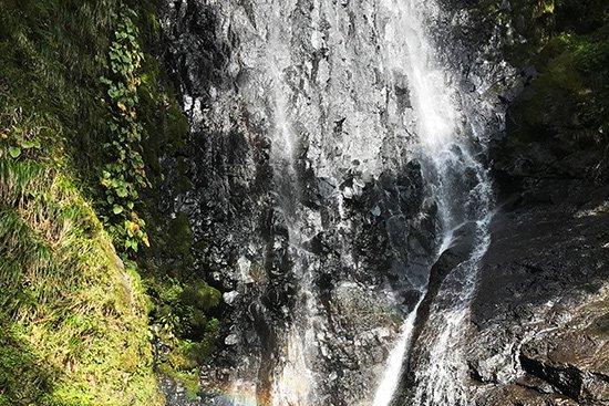 滝百選 猿尾滝で「天使の虹」発見!【画像9】