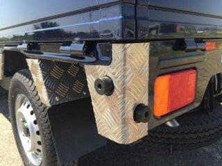 軽トラ用 ステップ・リアコーナー・リア・道具箱カバー キャリイDA16T用 リアコーナーカバー(アルミ縞板)