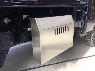 軽トラ用 ステンレス・アルミ縞板バッテリーカバー ハイゼットS500/S510用 ステンレスバッテリーカバー
