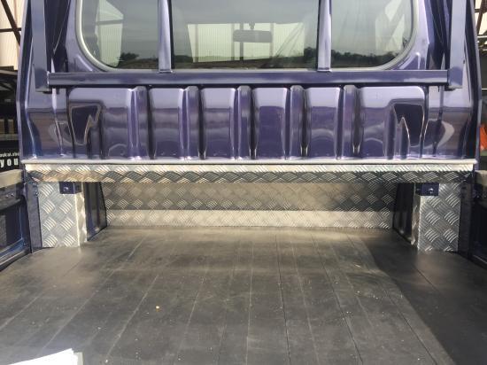 ハイゼットジャンボS500P/S510P用 キャビンバックパネル下カバー(アルミ縞板)【画像2】