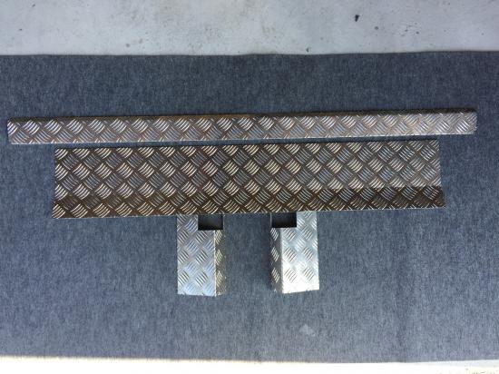 ハイゼットジャンボS500P/S510P用 キャビンバックパネル下カバー(アルミ縞板)【画像3】