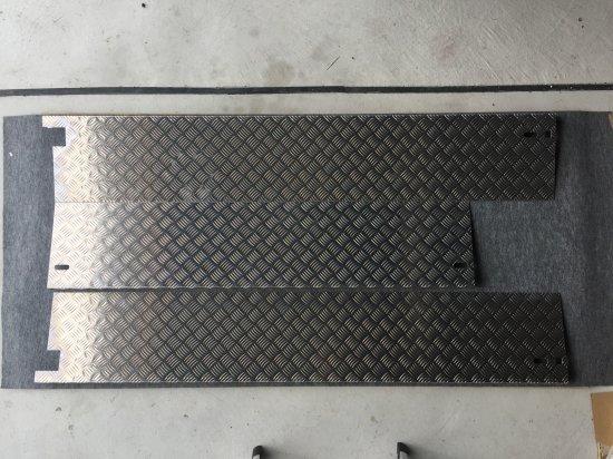 S500P/510P用ハイゼットジャンボ 荷台あおりカバー内板一体式 アルミ縞板 (3辺セット)【画像2】