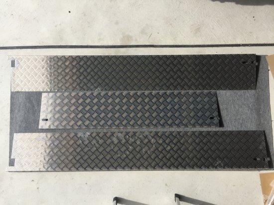 S500P/S510P用ハイゼット標準 荷台あおりカバー内板一体式 アルミ縞板 (3辺セット)【画像2】