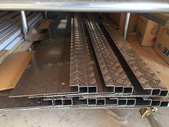 DA16T用キャリイ標準車 荷台あおりカバー内板一体式 アルミ縞板 (3辺セット)【画像3】