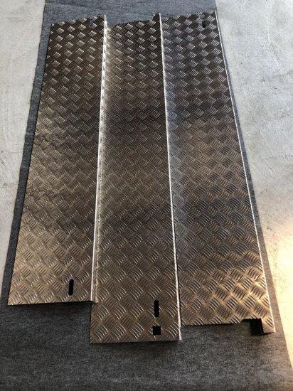 スーパーキャリイ DA16T用 荷台あおりカバー内板一体式 アルミ縞板 (3辺セット)【画像2】