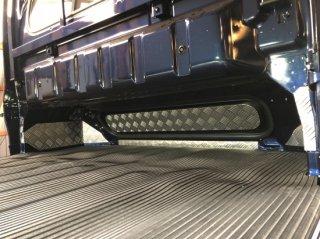 軽トラ用・キャビンバックパネルカバー スーパーキャリイDA16T用 キャビンバックパネル下カバー(アルミ縞板)