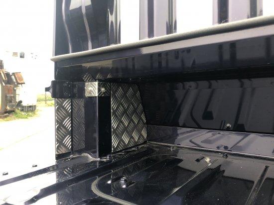 ハイゼットジャンボS500P/S510P用 キャビンバックパネル下カバー追加パーツ(アルミ縞板)