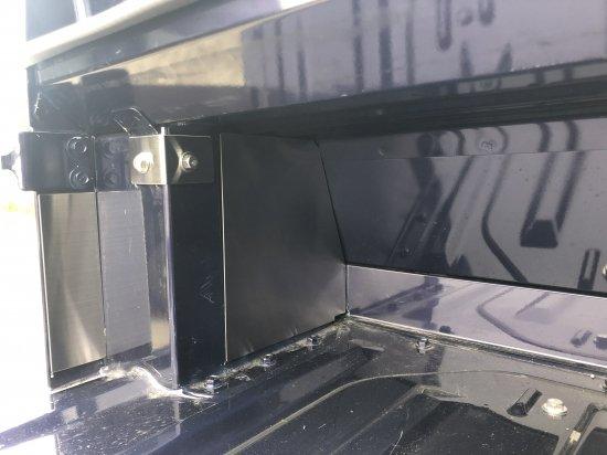 ハイゼットジャンボS500P/S510P用 キャビンバックパネル下カバー追加パーツ(ステンレス)