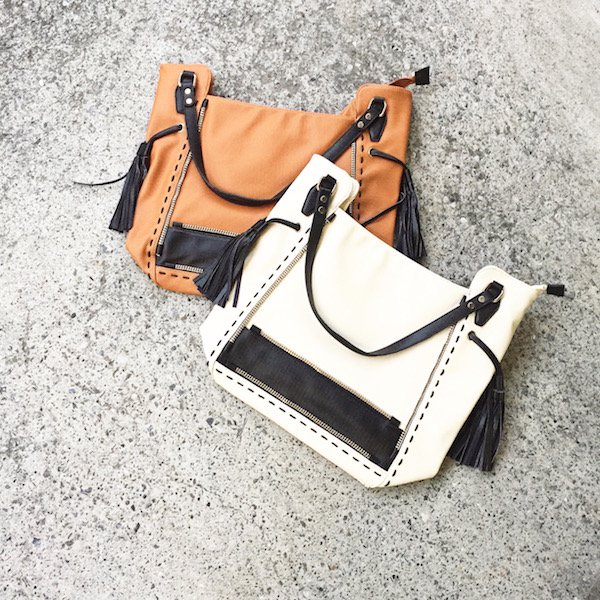 zip tassel wide BAG