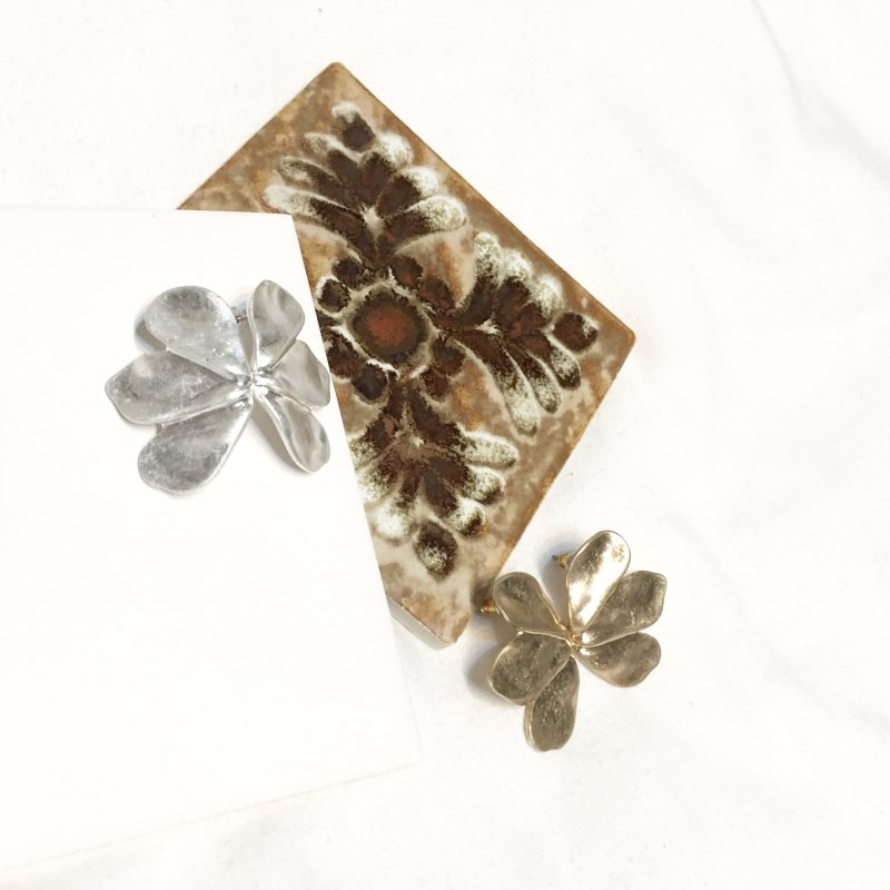 flower metalica half pierce