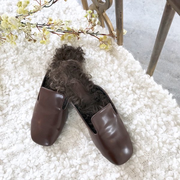 enamel brown fur slip-on