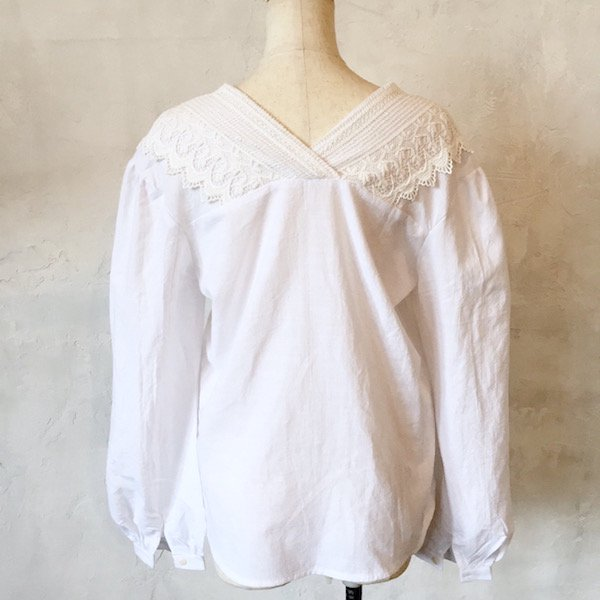 butterfly lace cotton blouse