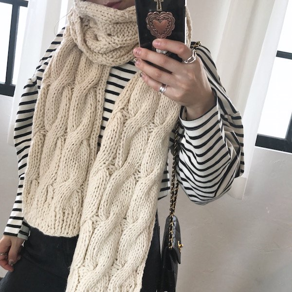 gauge knit berry muffler