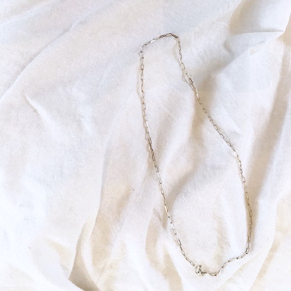 momentary chain middle choker