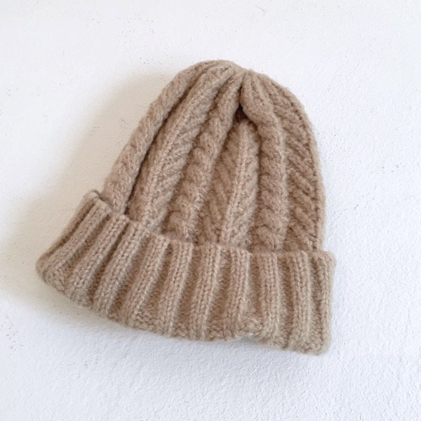 fluffy cable knit CAP
