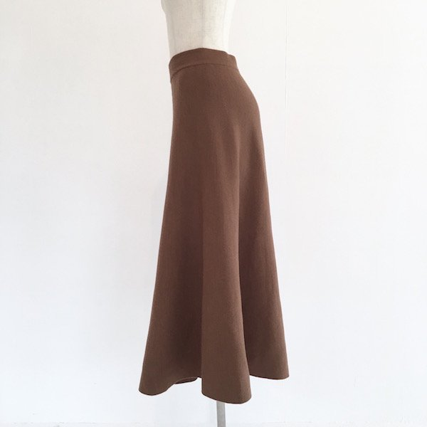 mildly knit flare skirt