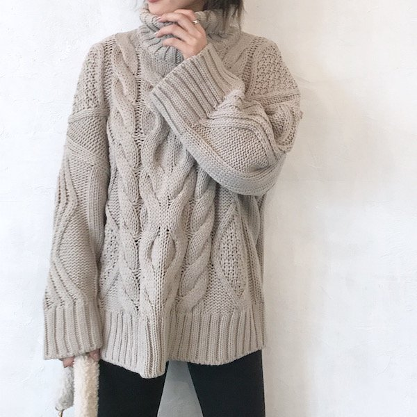 flap turtle cable knit