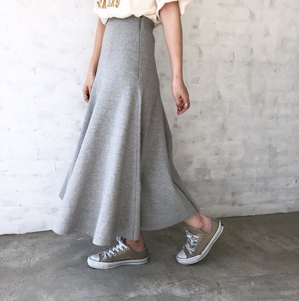 sweat flare glow skirt