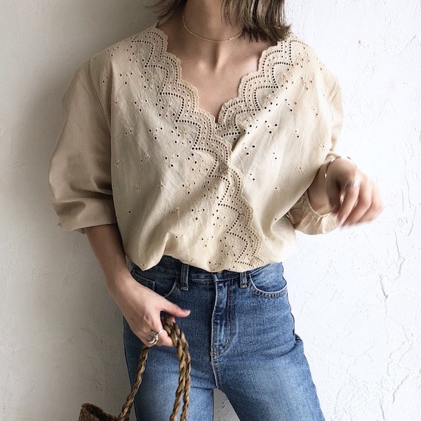 scallop 2way lace blouse