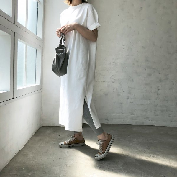 long T-shirt slit one-piece